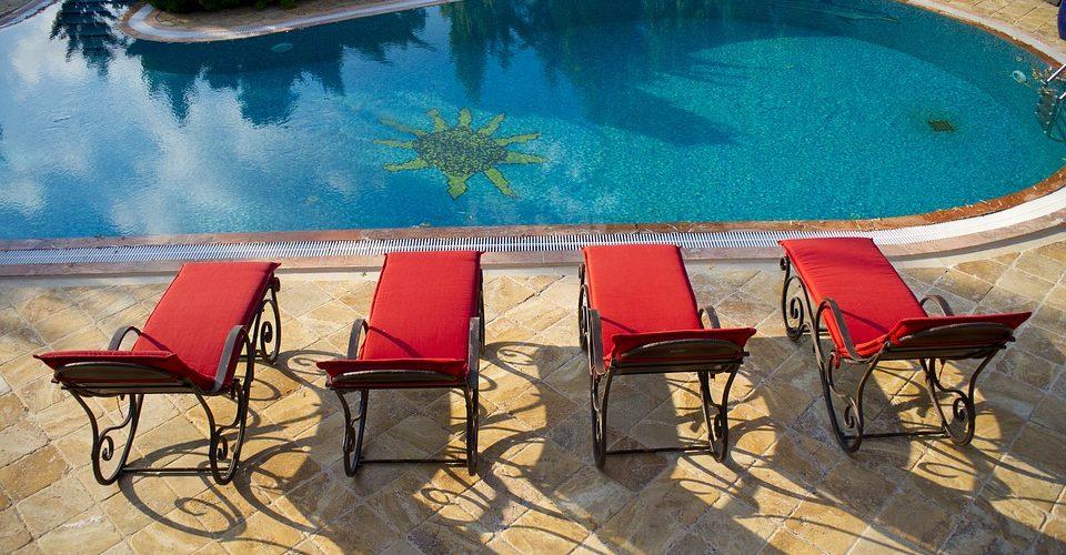 combien co te une piscine enterr e avec pose. Black Bedroom Furniture Sets. Home Design Ideas